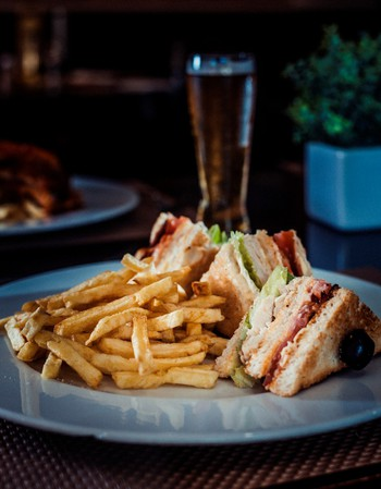Club Sandwich & Classic Chips